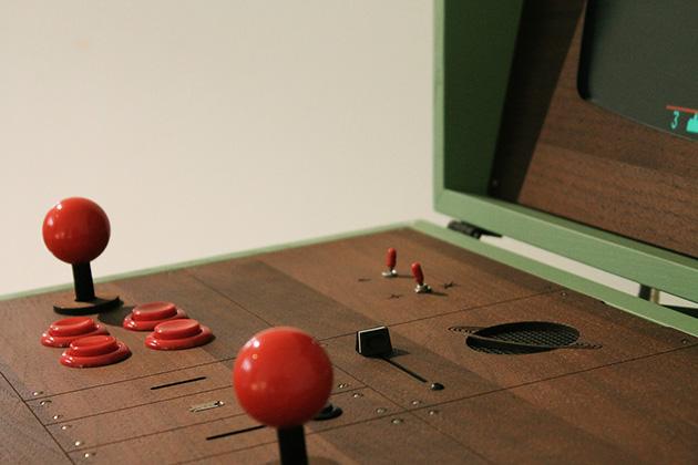 Love-Hulten-Pixelkabinett-42-Arcade-Machine-2